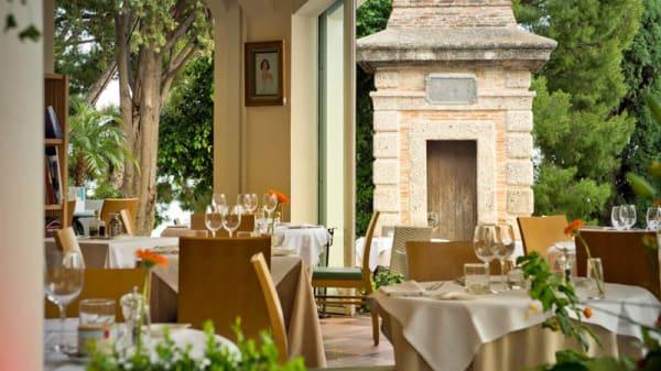 tables - Castelroc, Monaco