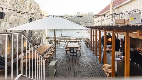 Semea by Euskalduna, Porto