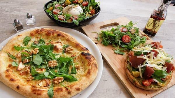 Bruschetta Bresaola, Salade Burrata et Pizza Miel di capra - Vivo E Basta, Lyon