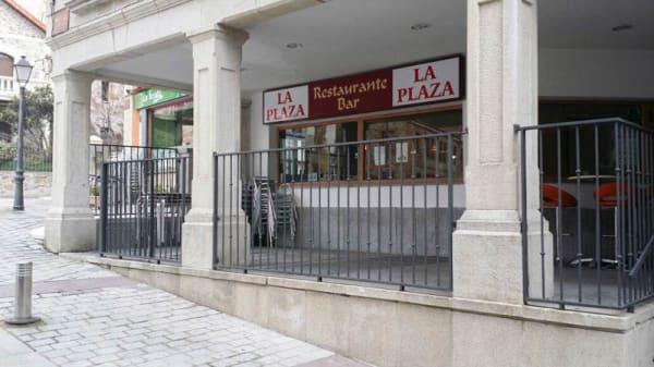 Vista exterior - La Plaza, Miraflores De La Sierra