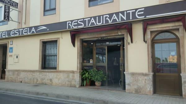Entrada - Estela, Tavernes Blanques