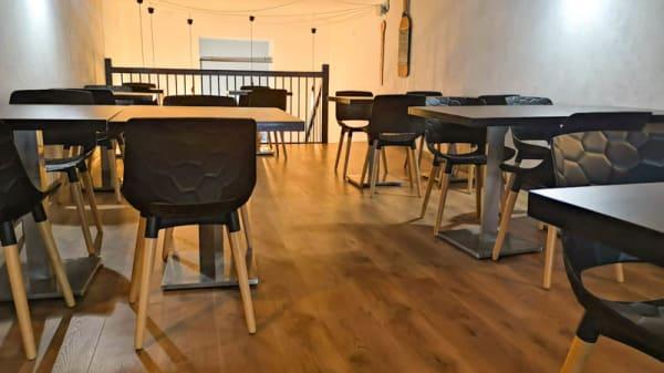 Salle - Le Verniss'Art café, Grenoble