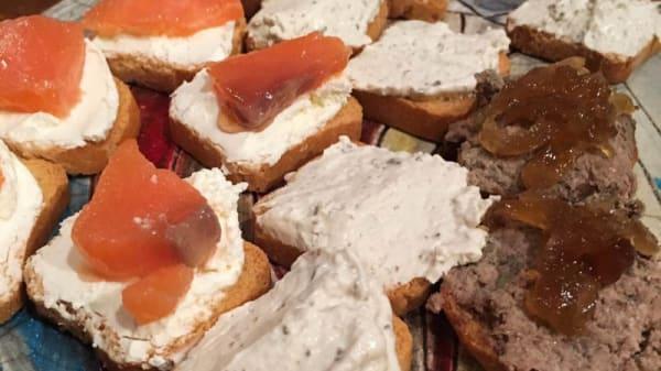 Sugerencia del chef tosta. De. Cerdo iberico - Vinos Chinchilla - Bodega Doña Felisa, Ronda