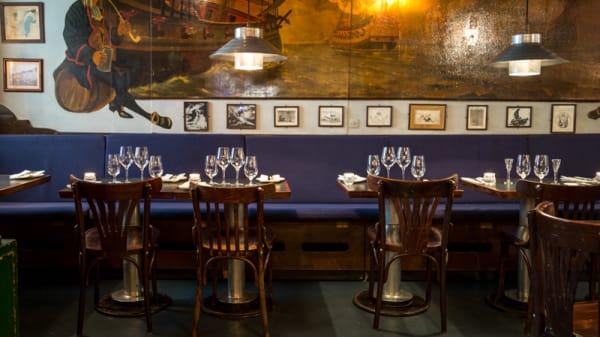"""Cozy """"hygge"""" - less is more - Restaurant Havfruen, Copenhagen"""