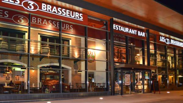 Facade restaurant - Les 3 Brasseurs, Échirolles