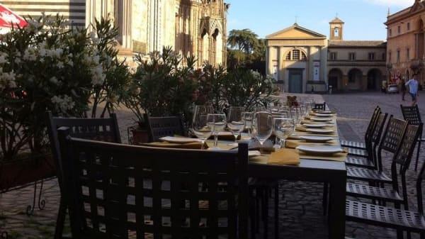 Cantina Foresi, Orvieto