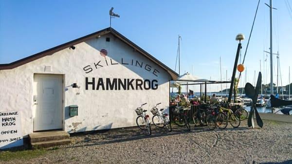 Skillinge Hamnkrog - Skillinge Hamnkrog av Två Traktörer, Skillinge