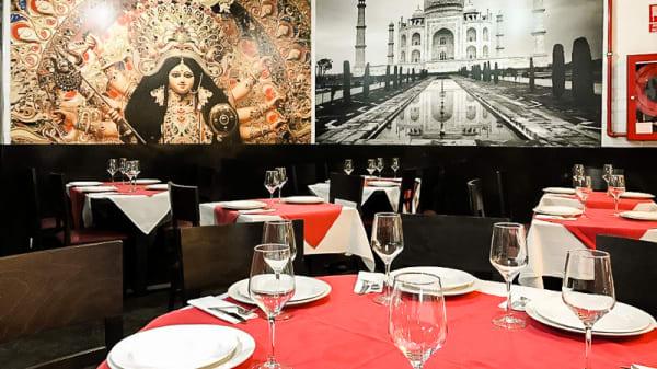 Vista sala - Gandhi Indian Restaurant, San Sebastián de los Reyes