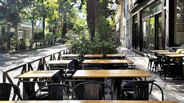 Vue de la terrasse - Wok in the Street, Levallois-Perret
