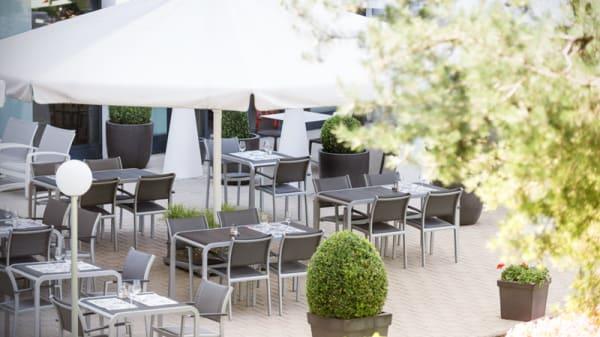 Terrasse - Swiss Bistro, Cointrin