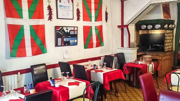 vue de la salle - Le Petit Basque, Aubervilliers