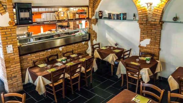 La sala interna - La Bufala Brilla, San Mango Piemonte