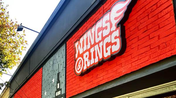 Entrada - Wings & Rings (Barrio Italia), Santiago de Chile