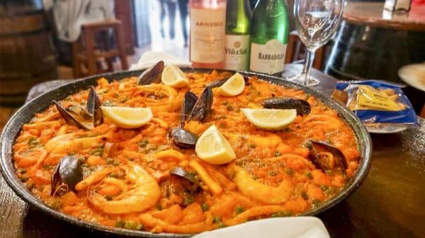 Paella Mixta - La Nueva Venencia de la Fontanilla, Marbella