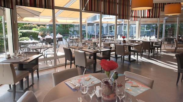 Restaurant brasserie vue terrasse - Novotel Café, Clermont-Ferrand