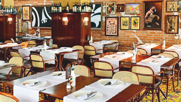 Sala do restaurante - Las Tablas, Curitiba