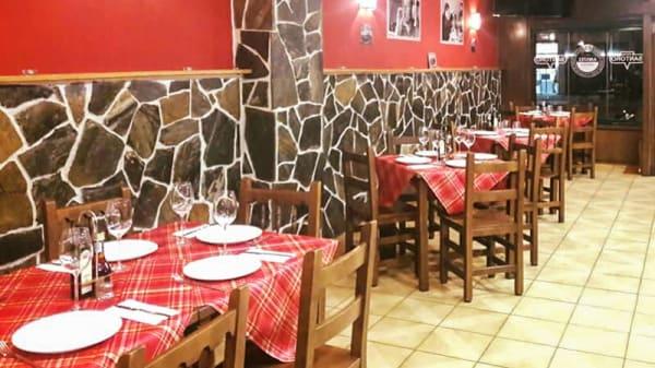 Sala del restaurante - Santoro, Gijón