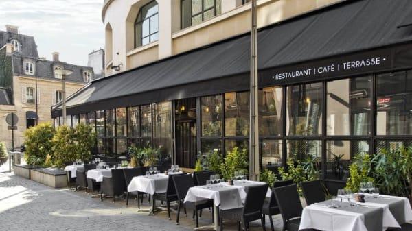Terrasse - Le Gray Paris, Paris