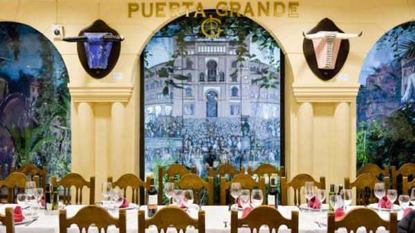 Vista del interior - Puerta Grande, Madrid