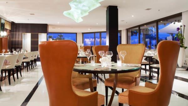 Salle intérieure - JW Grill Cannes, Cannes