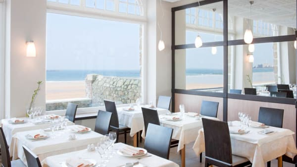 Salle de restaurant Vue Mer - Antinéa, Saint-Malo