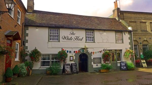 Entrance - The White Hart, Wimborne