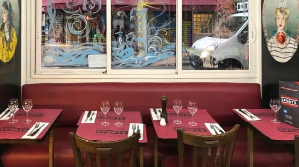 Salle du restaurant - Aux Sports, Paris