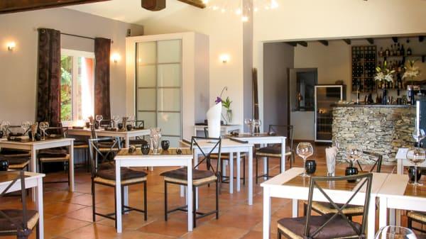 Vue de la salle - La Table de Pablo, Villars