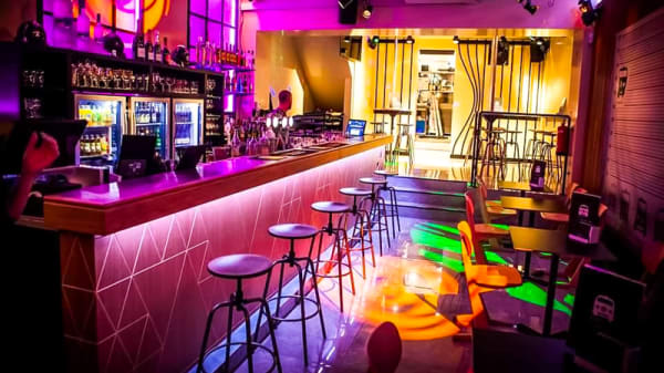 Vue de la salle - Kombi Bar, Brussels