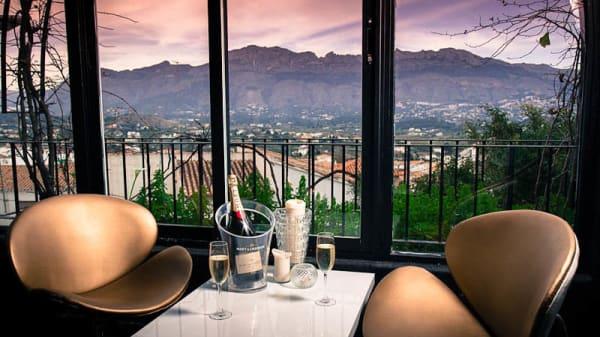 Mesas con vistas al paisaje - Nica Restaurant, Altea