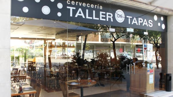 Vista entrada - Taller de Tapas - Travessera, Barcelona