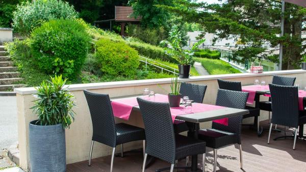 Terrasse ensoleillée et au calme - Le Comptoir JOA - Bourbonne-les-Bains, Bourbonne-les-Bains