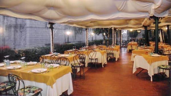 Sala esterna coperta - Taverna del Lupo, Gubbio