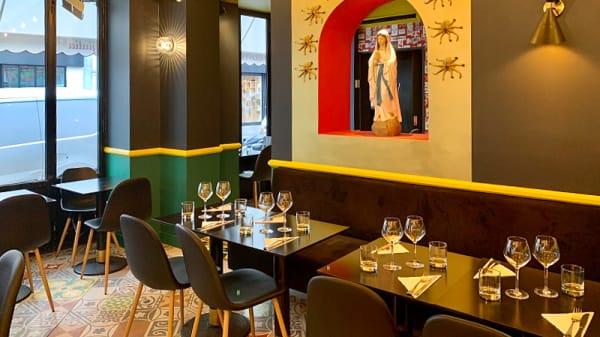 Salle du restaurant - Giulia, Paris