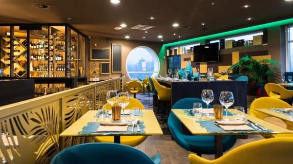 Mides Cocktail Restaurant, Cantù