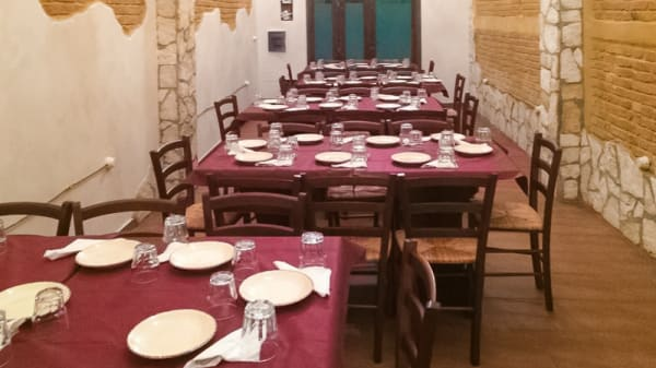 sala - La Piccola Taverna, Villa San Giovanni