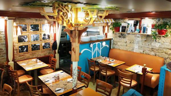 Vue de la salle - Le Studio Café, Paris