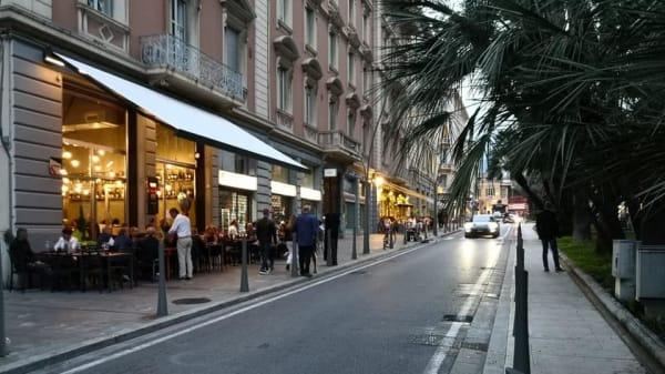 Esterno - Ristorante pizzeria Ciro's, Sanremo