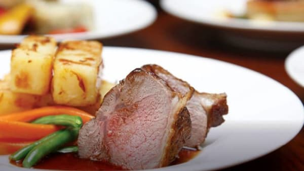 Cyprium Bar and Grill, Lingfield