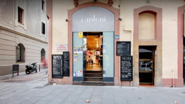 Entrada - Can Toni, Barcelona