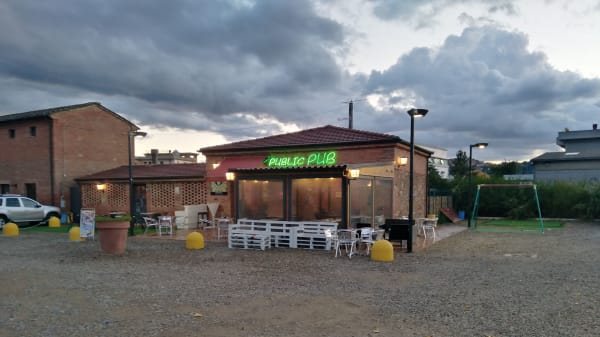 Public Pub, Sinalunga