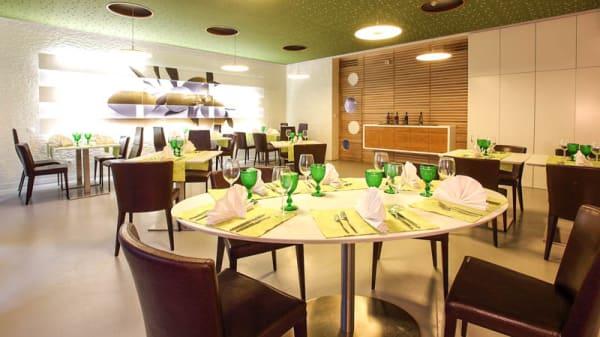 Sala - Eugénios Restaurante Temático, Calendário