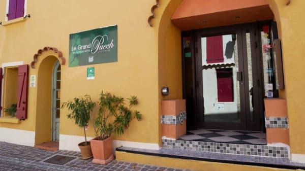 Entrée - Restaurant hôtel Le Grand Puech Mimet, Mimet