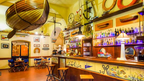 Veduta dell interno - Club Nautico Savona, Savona