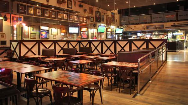 Vista sala principal - Sports Bar, Barcelona