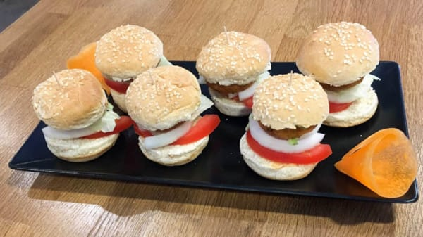 Kennedy Slide Sliders - IBEX -The Modern Indian Kitchen & Bar, Madrid