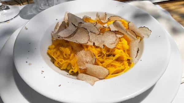 Suggerimento dello chef - Cantina Comunale con cucina, Castiglione Falletto