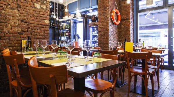 Sala - Enoteca con Cucina di Pesce, Milano