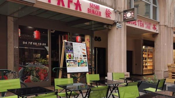 Terrasse - Fafa Sushi Burger, Lyon