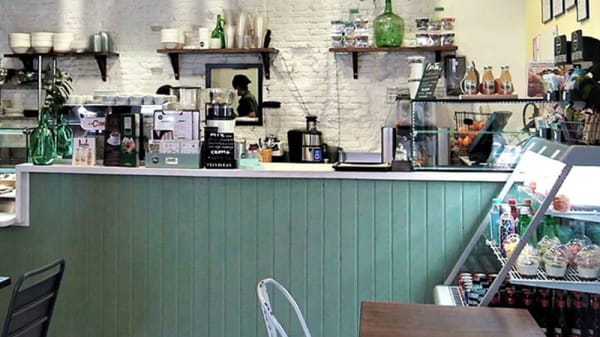 Vista sala - Pinale Coffee Shop & Salad Bar, Madrid
